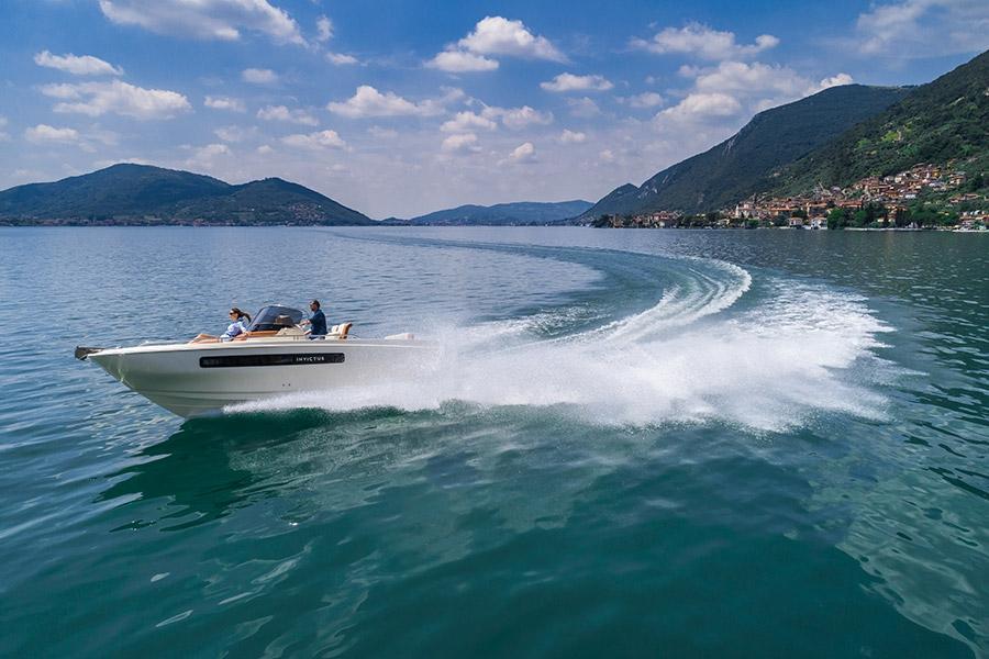 Invictus 250 CX sportboot 23