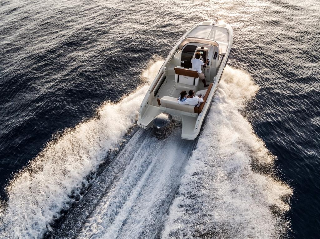 Invictus 240 cx sportboot 7