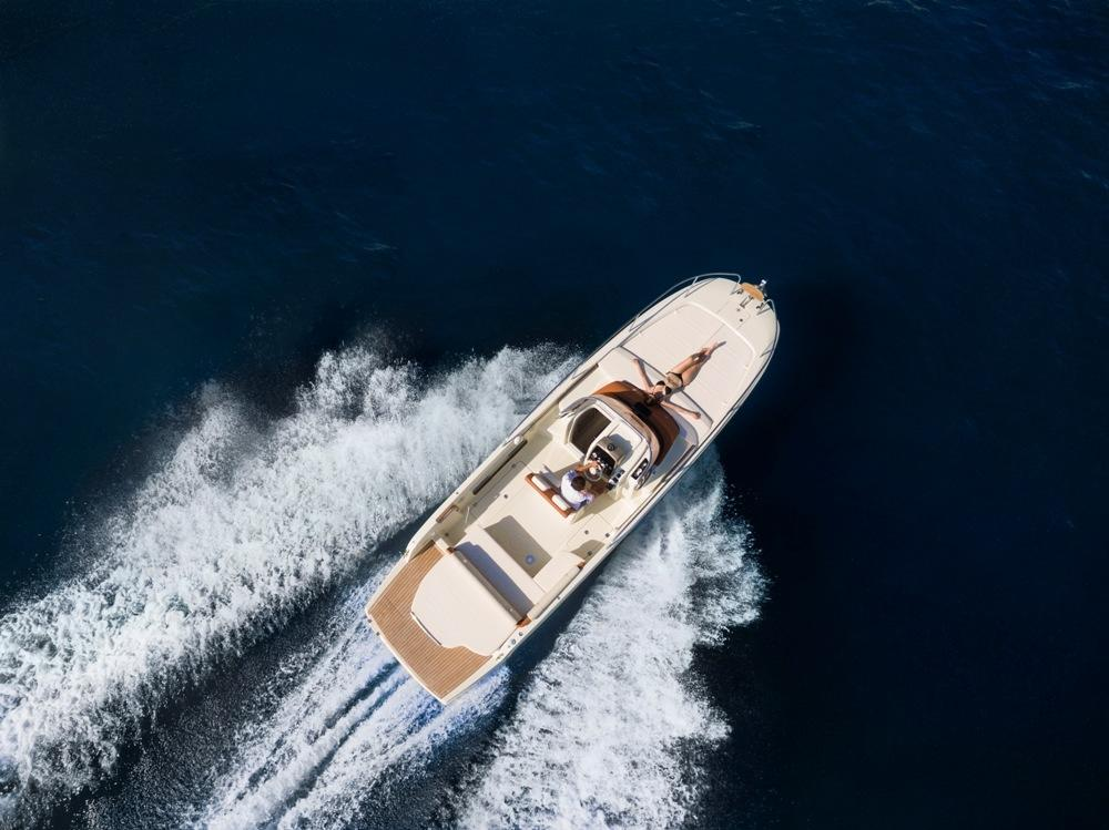 Invictus 280 CX sportboot 6