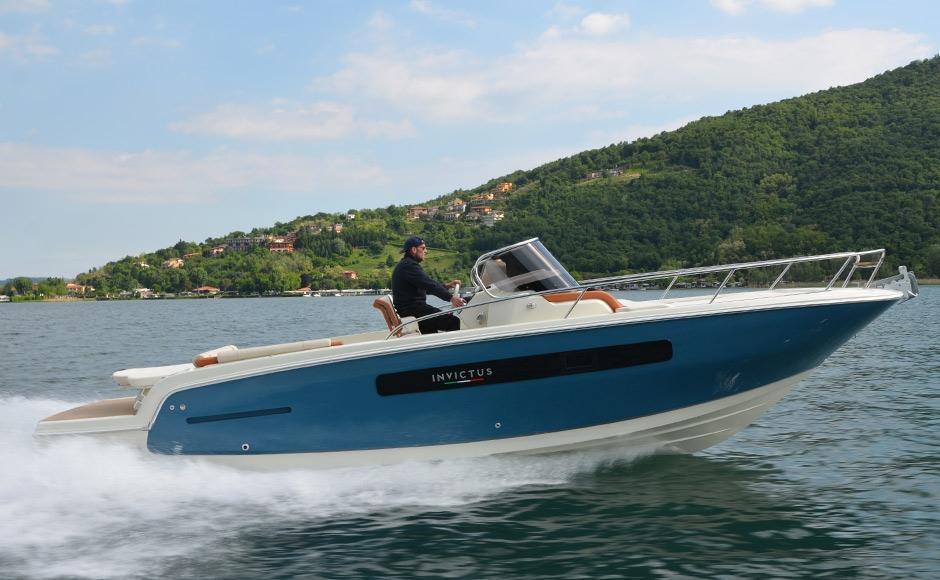 Invictus 280 CX sportboot 2