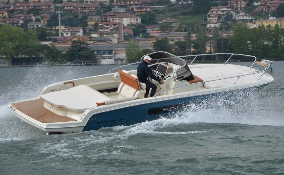 Invictus 280 CX sportboot 3