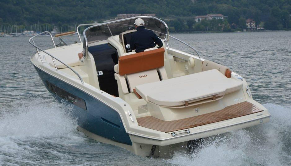 Invictus 280 CX sportboot 4