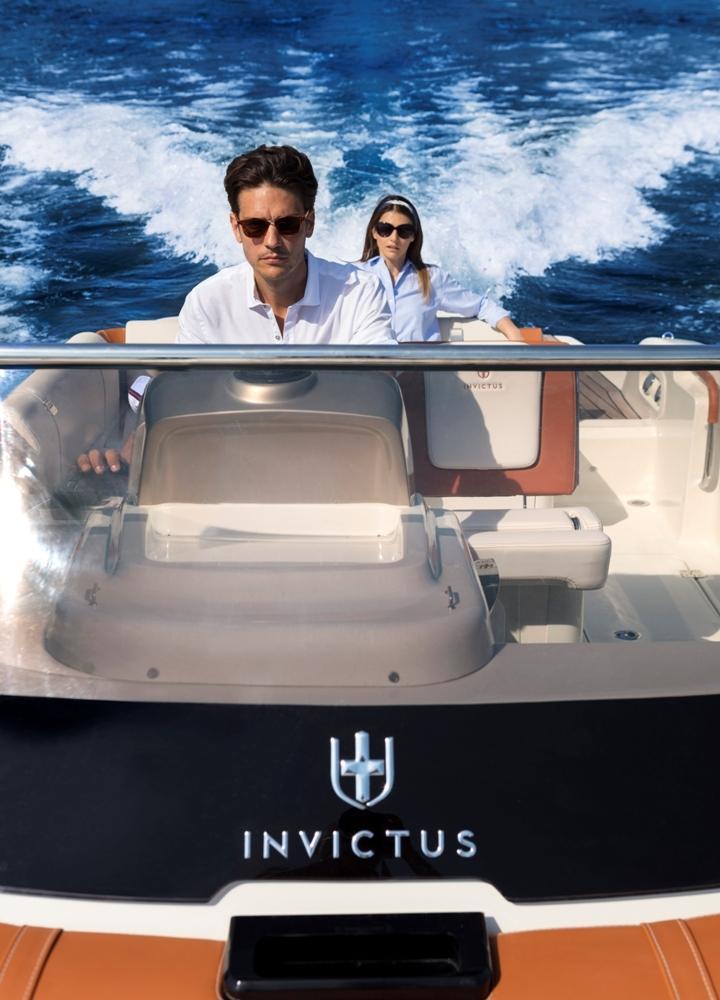Invictus 280 CX sportboot 8