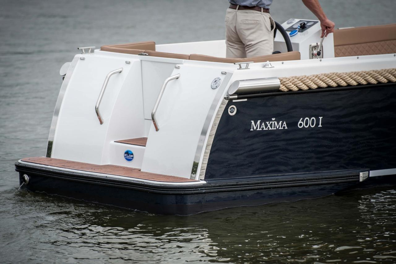Maxima 600 met Vetus 27 pk 9