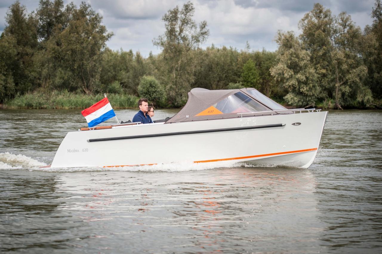 Maxima 630 tender 4