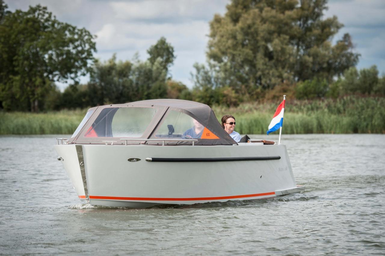 Maxima 630 tender 10