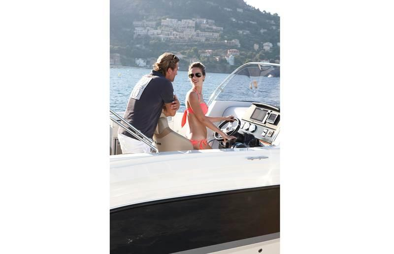 Quicksilver 805 sundeck 13