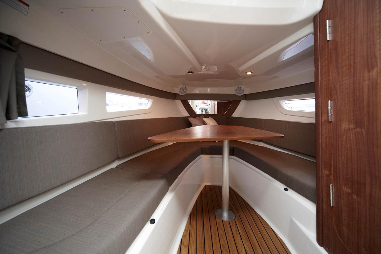 Quicksilver 805 sundeck 4
