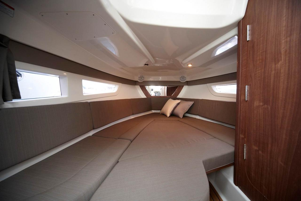 Quicksilver 805 sundeck 7