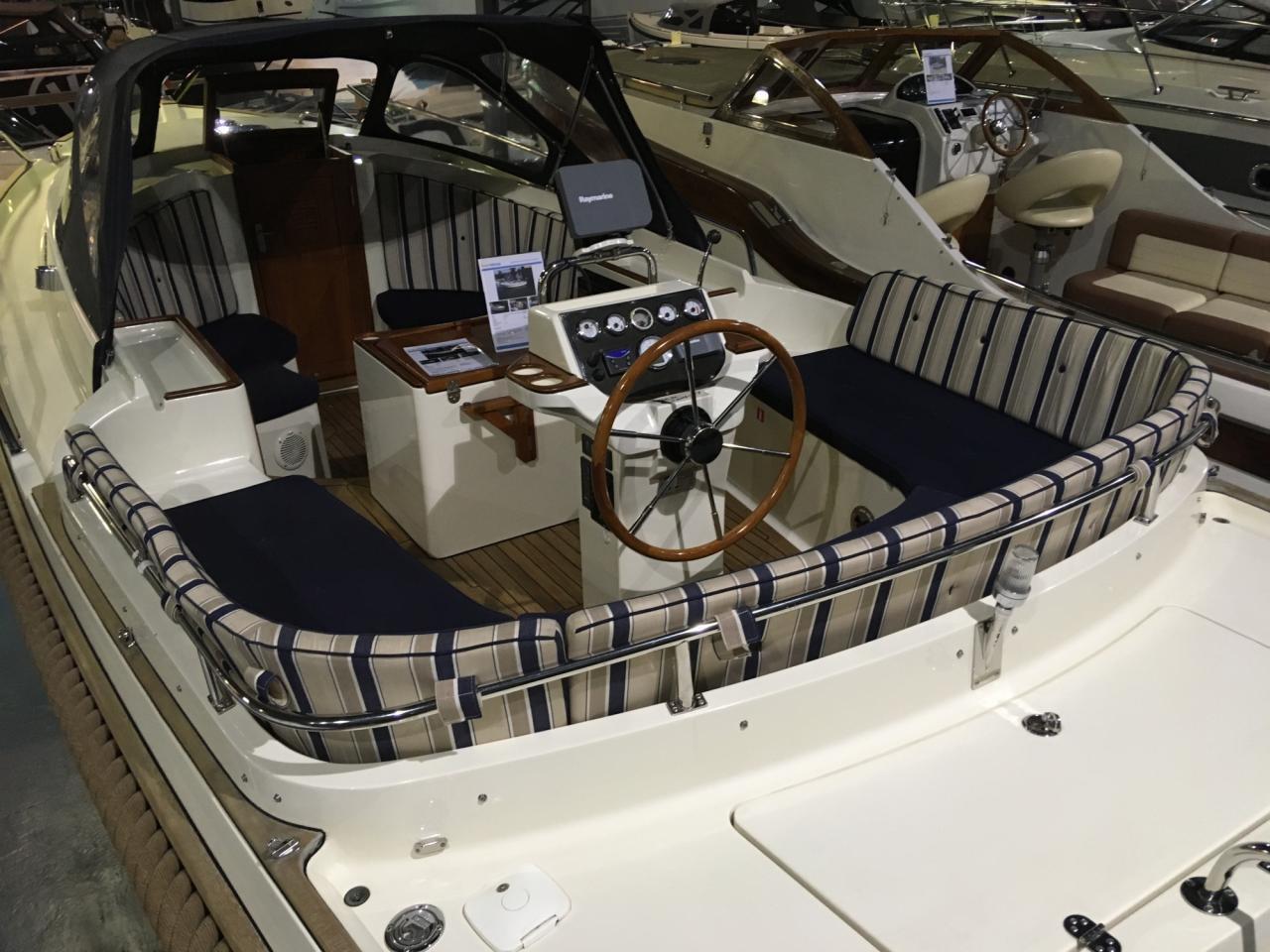Intercruiser 27 cabin met Volvo Penta 75 pk diesel 8