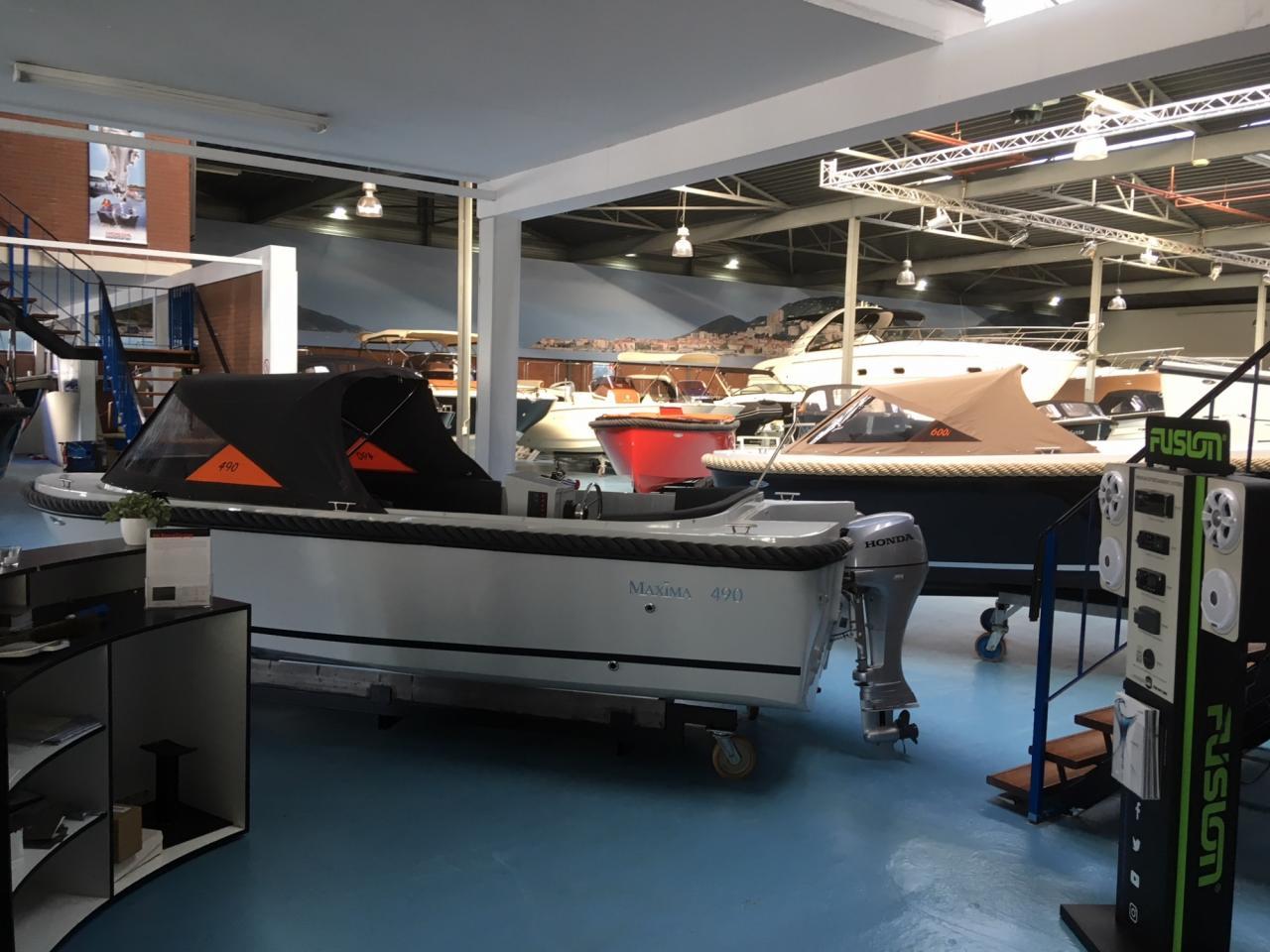 Maxima sloepen en tenders in onze showroom! 1