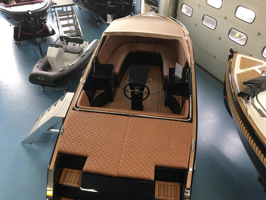 Maxima 730 tendersloep met Honda 80 pk 27