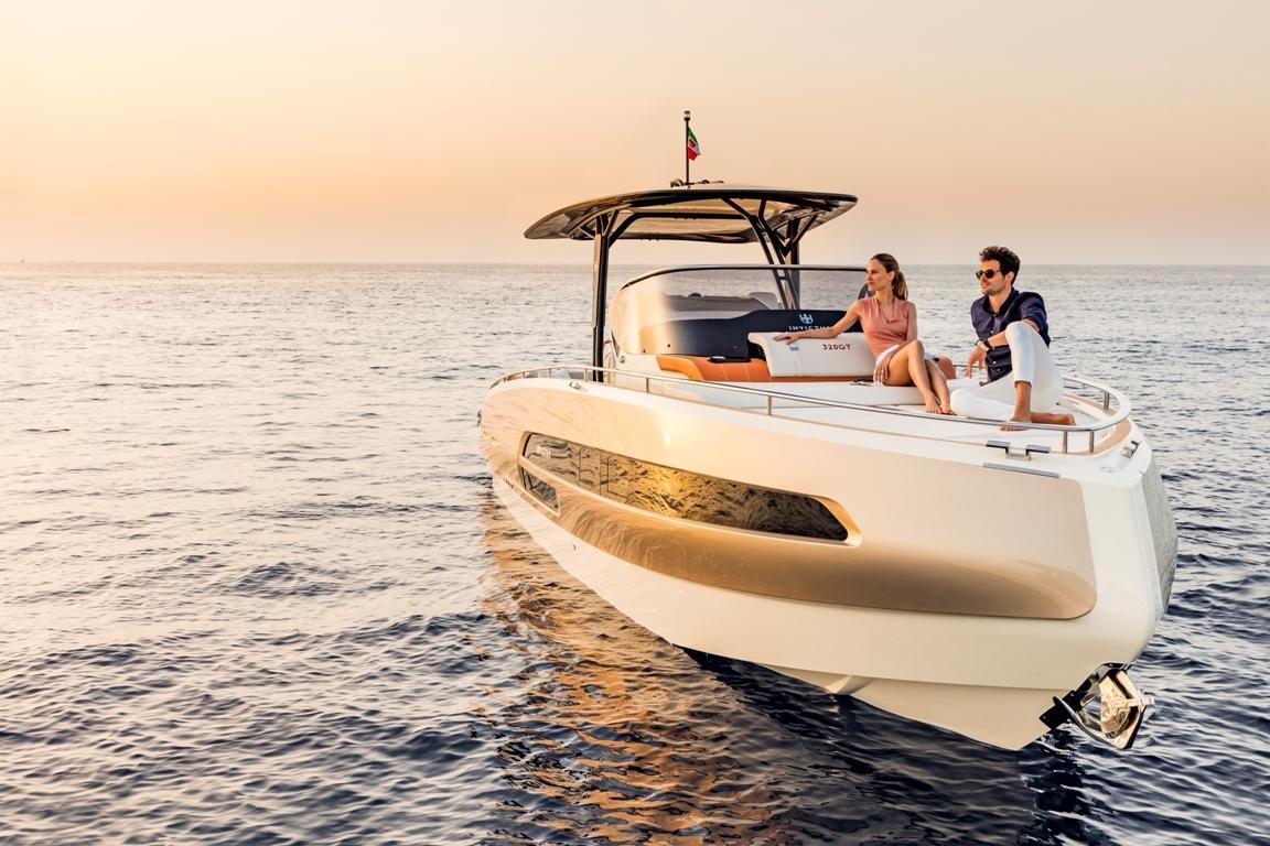 Invictus 320 GT sportboot 10