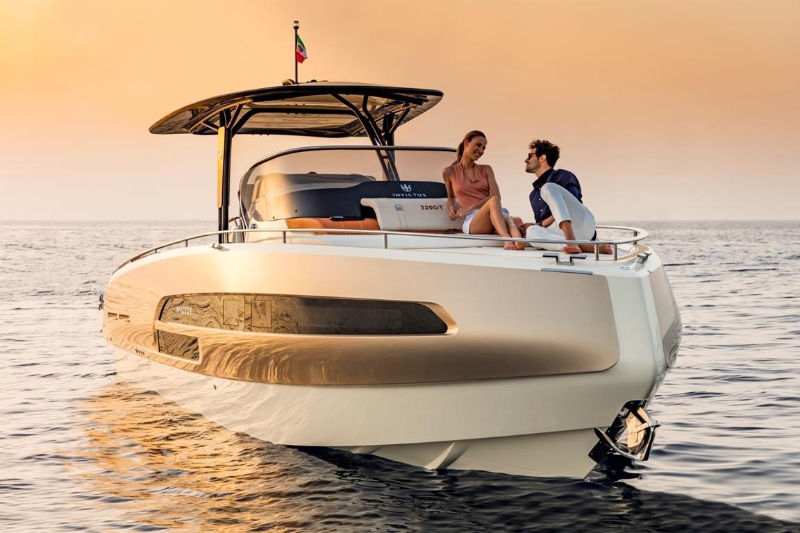 Invictus 320 GT sportboot 11