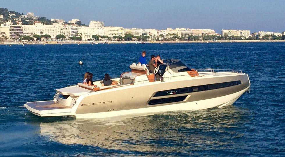 Invictus 320 GT sportboot 8