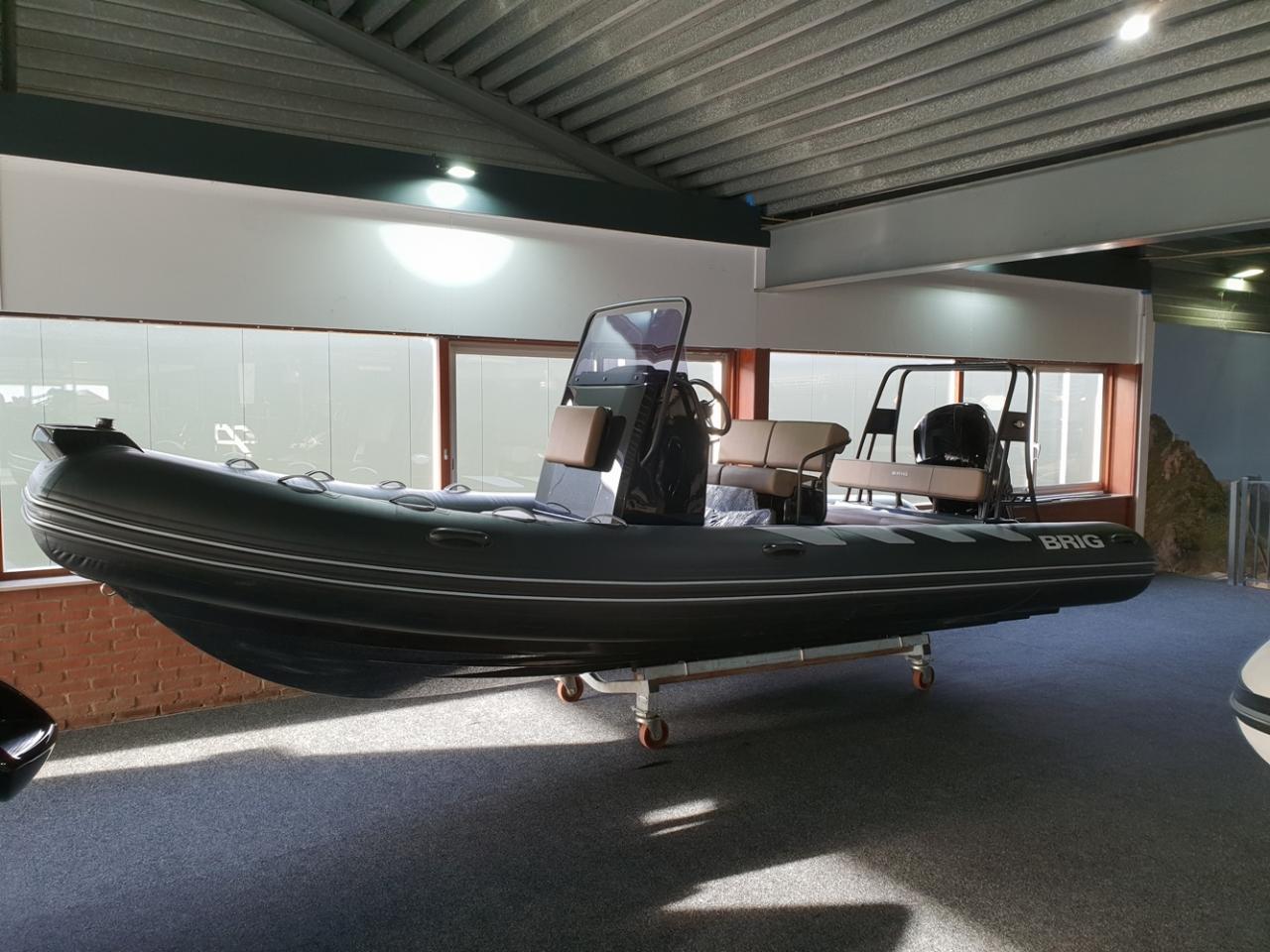 Brig 610 navigator met Mercury 150 pk 2