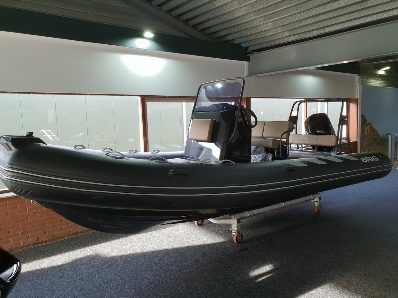 Brig 610 navigator met Mercury 150 pk 6