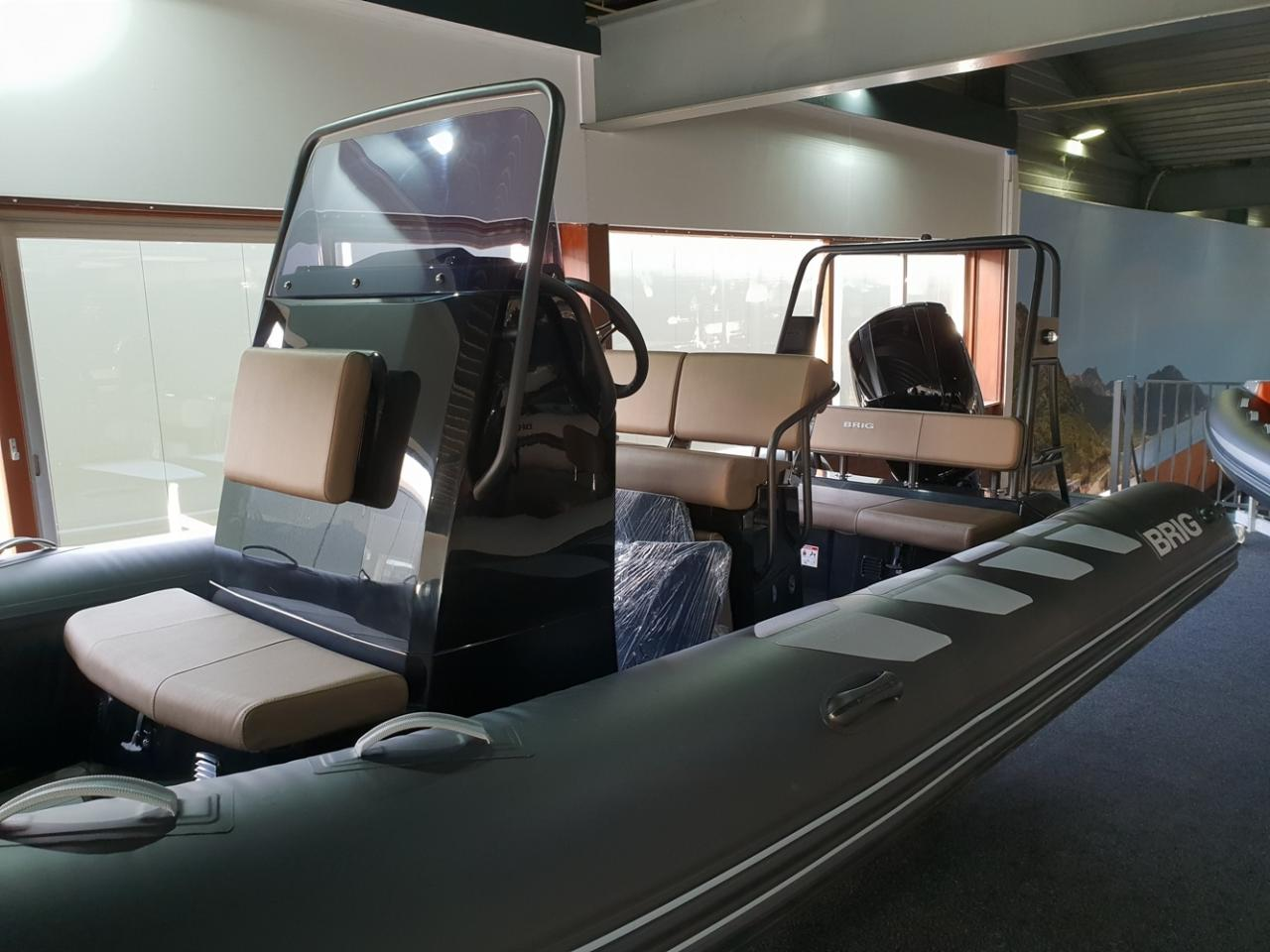 Brig 610 navigator met Mercury 150 pk 7