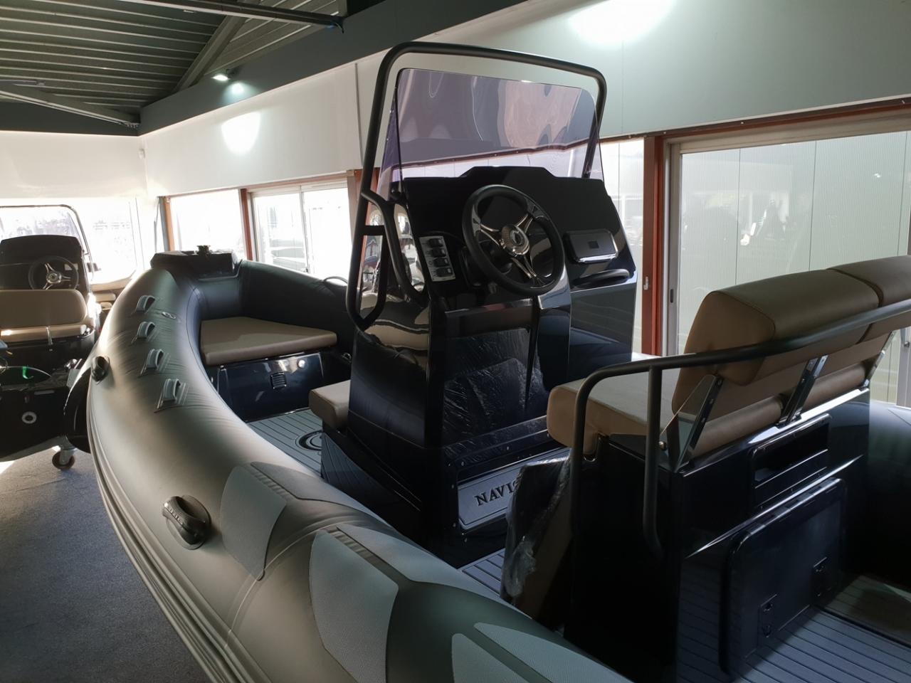 Brig 610 navigator met Mercury 150 pk 4
