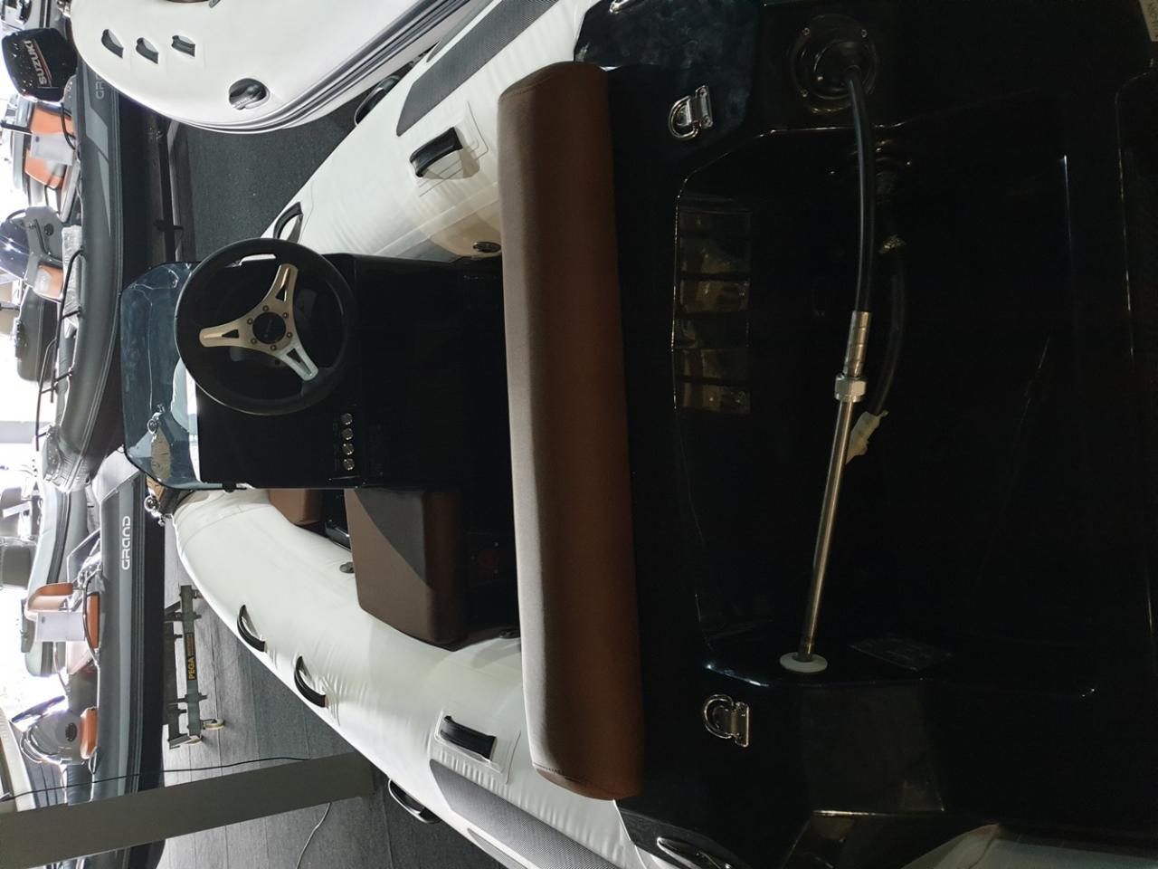 Brig Eagle 3.5 rib met Suzuki 30 pk 4