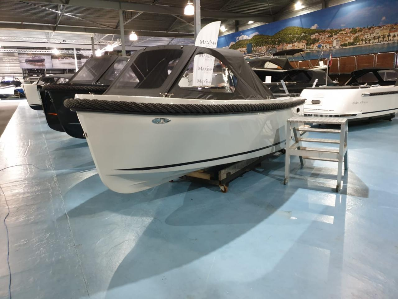 Maxima 600 tender lichtgrijs met Honda 20 pk - levering 2022! 2