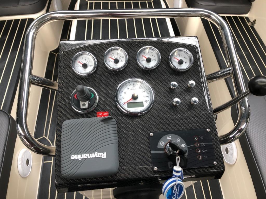 Waterspoor 711 met 22 pk diesel motor 6