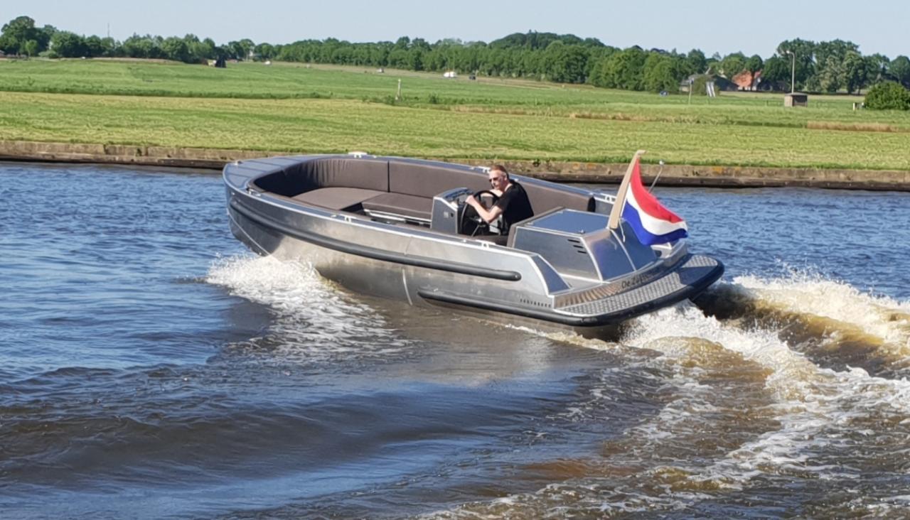 VanVossen Tender 700 (sport) 14
