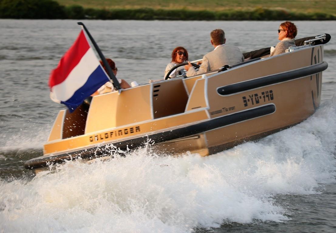 VanVossen Tender 700 (sport) 16