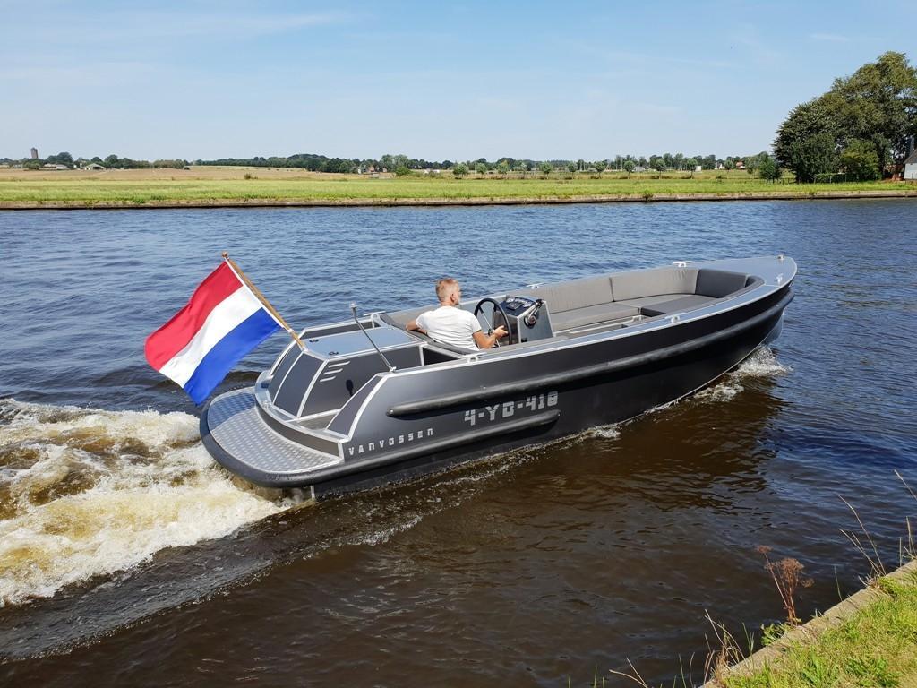 VanVossen Tender 700 (sport) 1