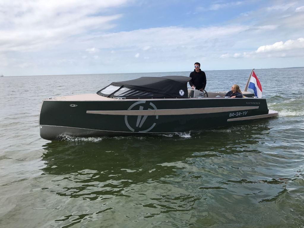 VanVossen Tender 777 (sport) 1