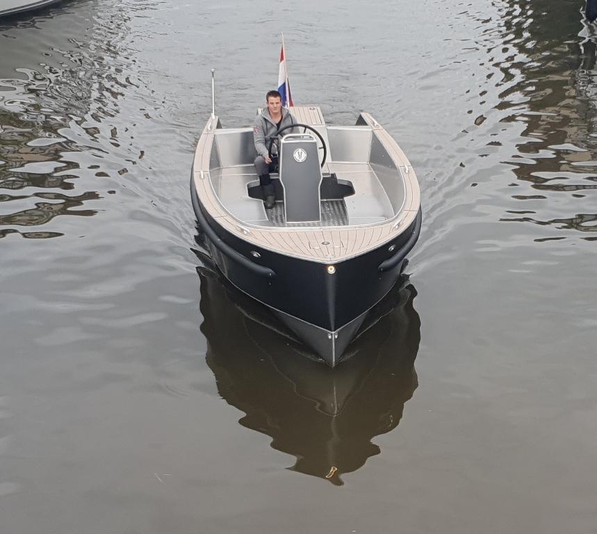 VanVossen Tender 777 (sport) 15