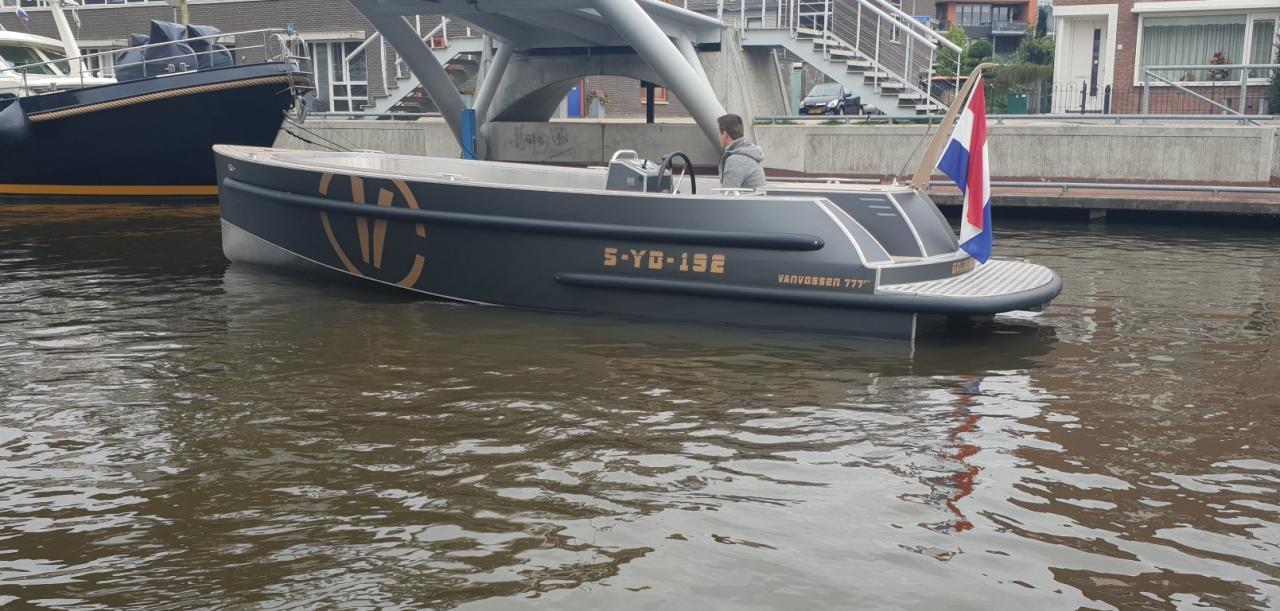 VanVossen Tender 777 (sport) 21