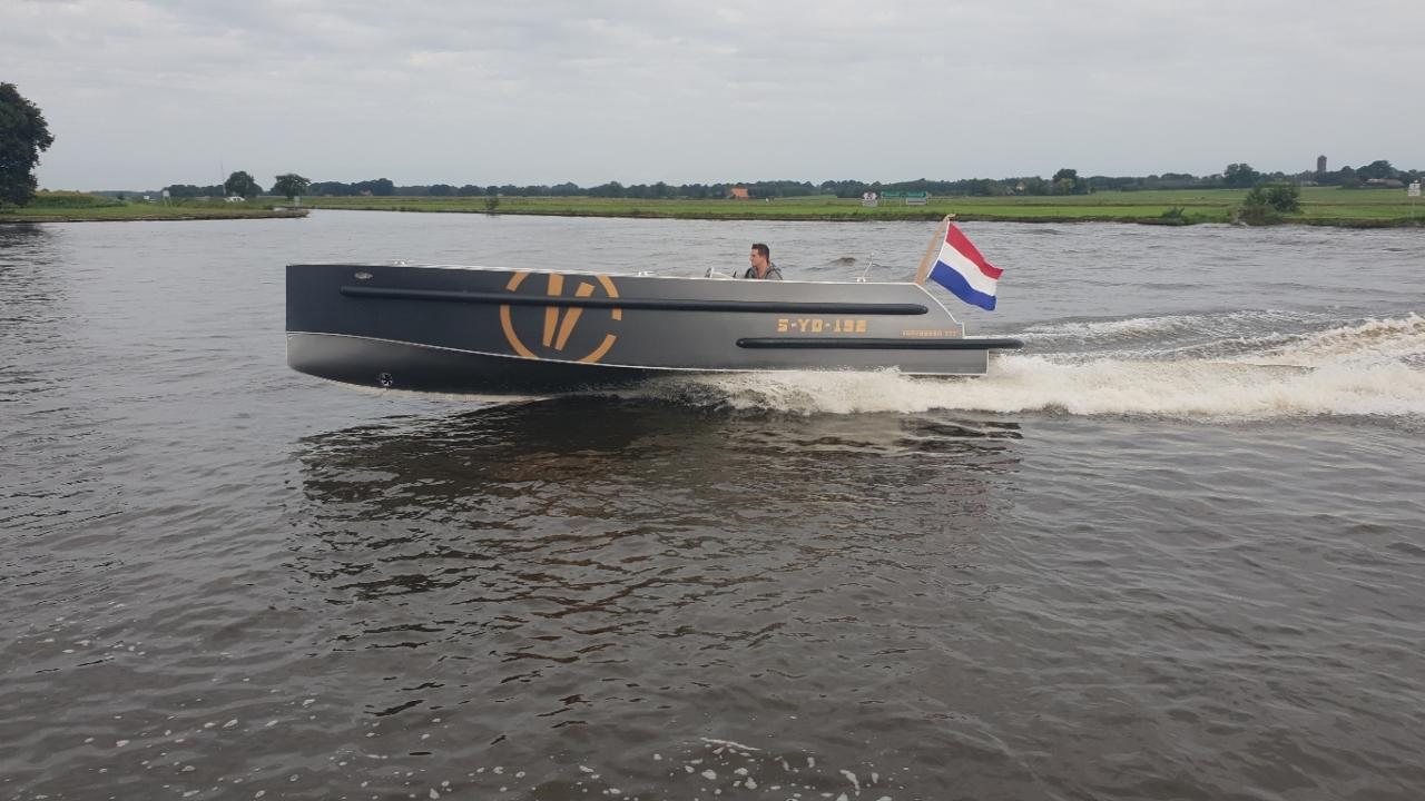 VanVossen Tender 777 (sport) 9