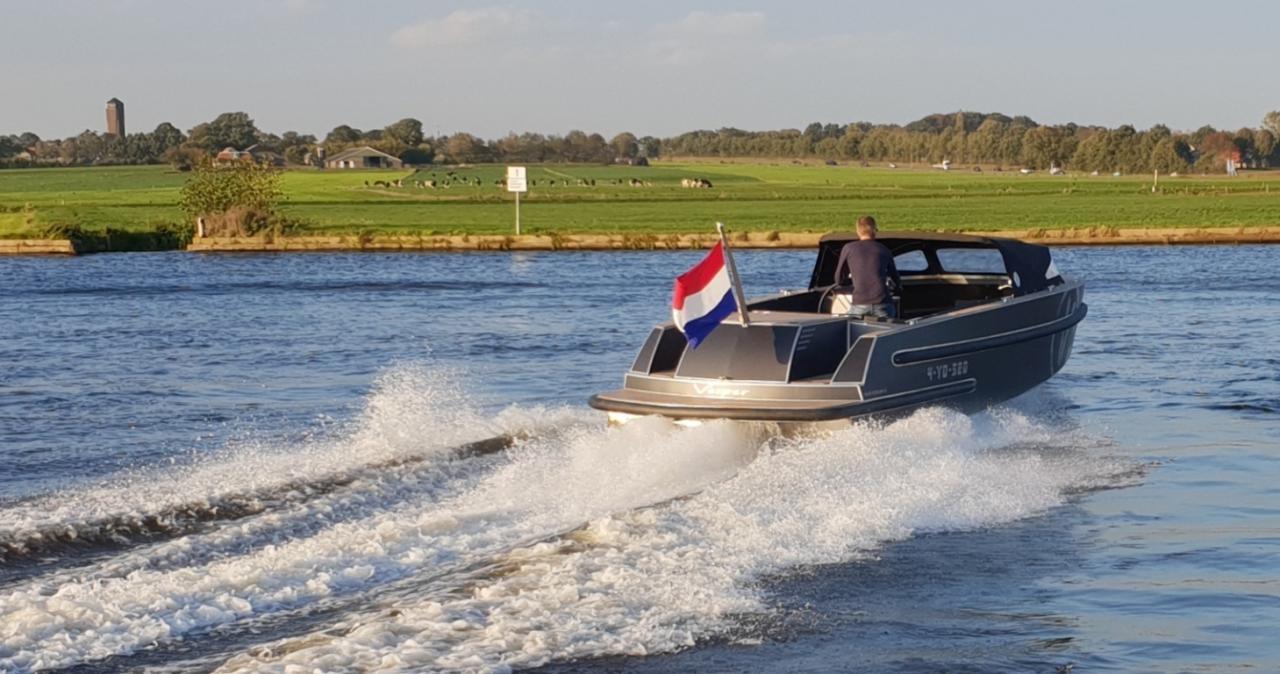 VanVossen Tender 888 (sport) 14