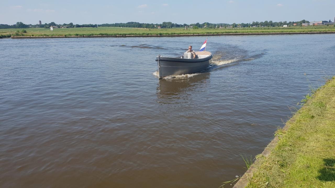 VanVossen Sloep 550 2