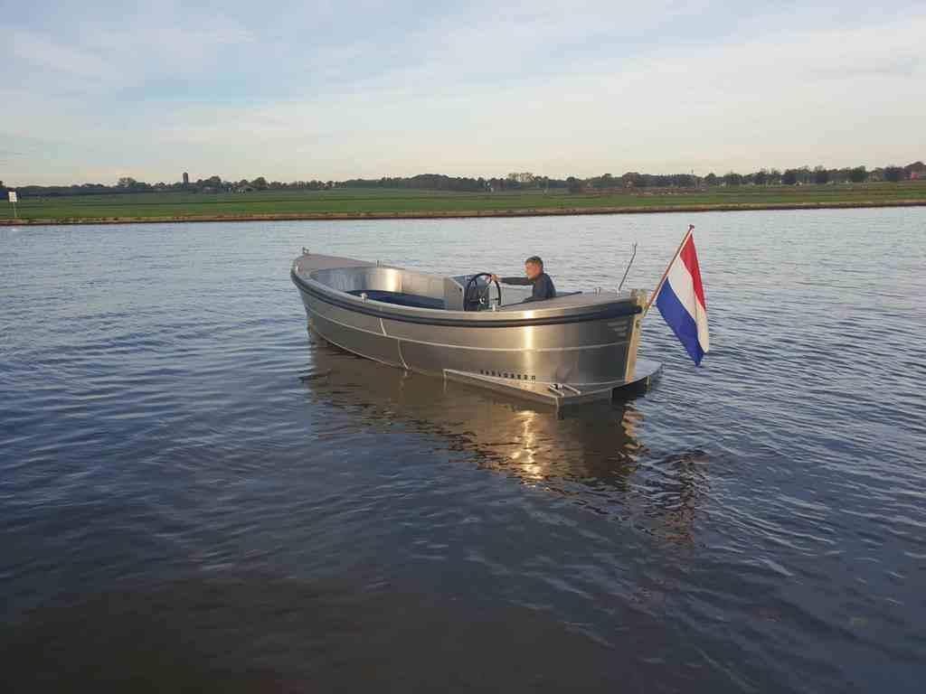 VanVossen Sloep 650 4