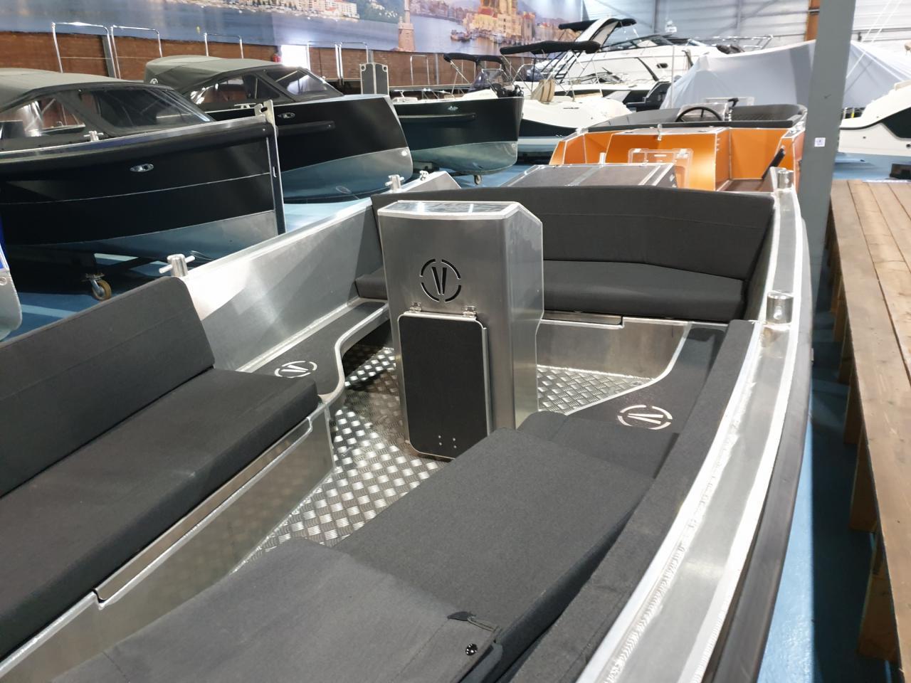 Van Vossen Tender 595 met Honda 40 pk - levering 2022 4