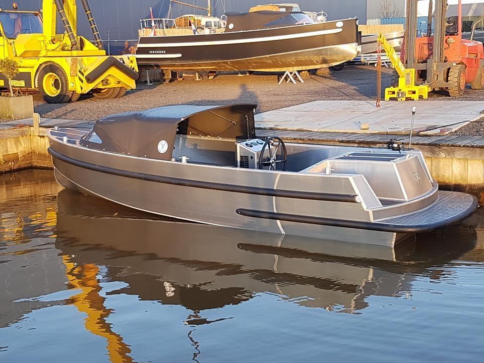 VanVossen Tender 670 aluminium 4