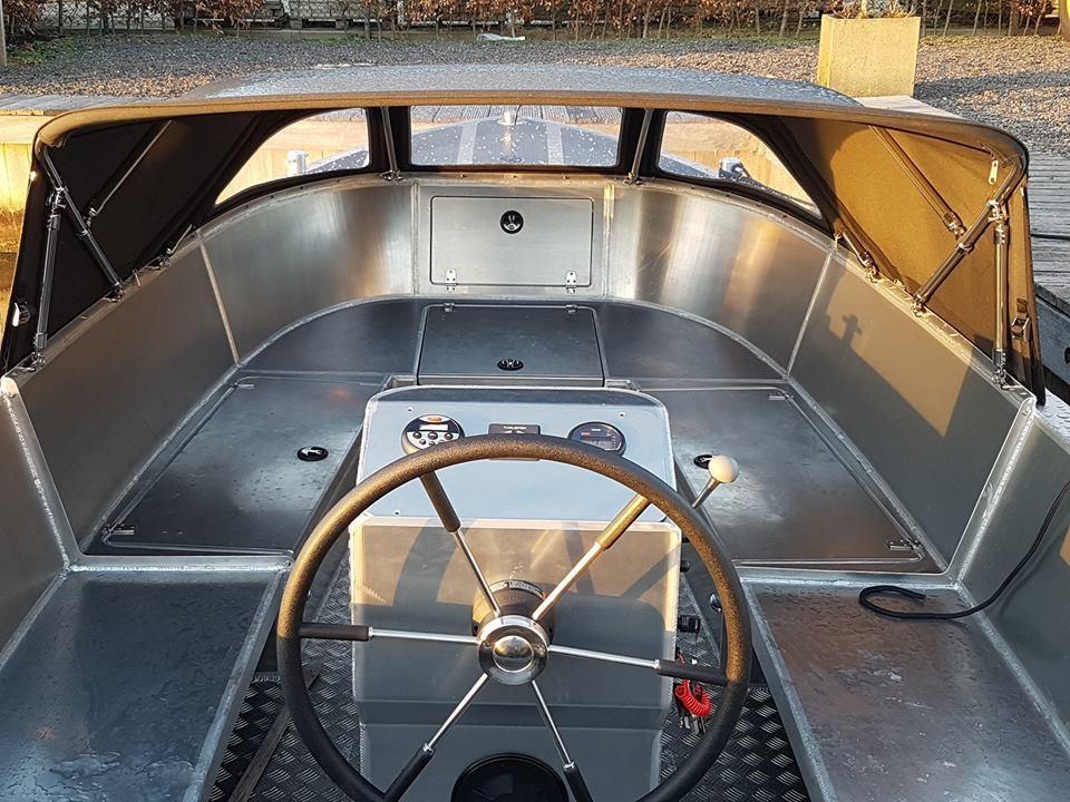 VanVossen Tender 670 aluminium 7