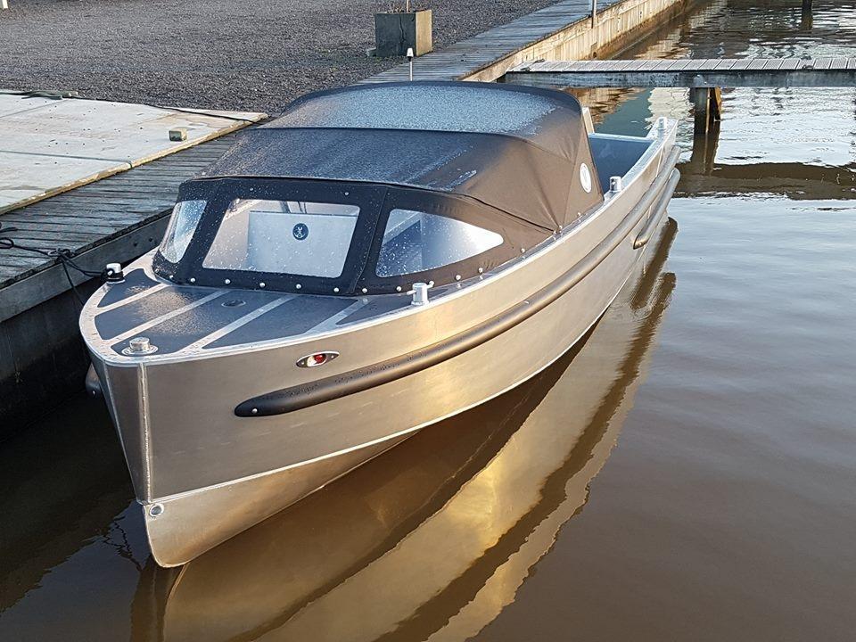 VanVossen Tender 670 aluminium 5
