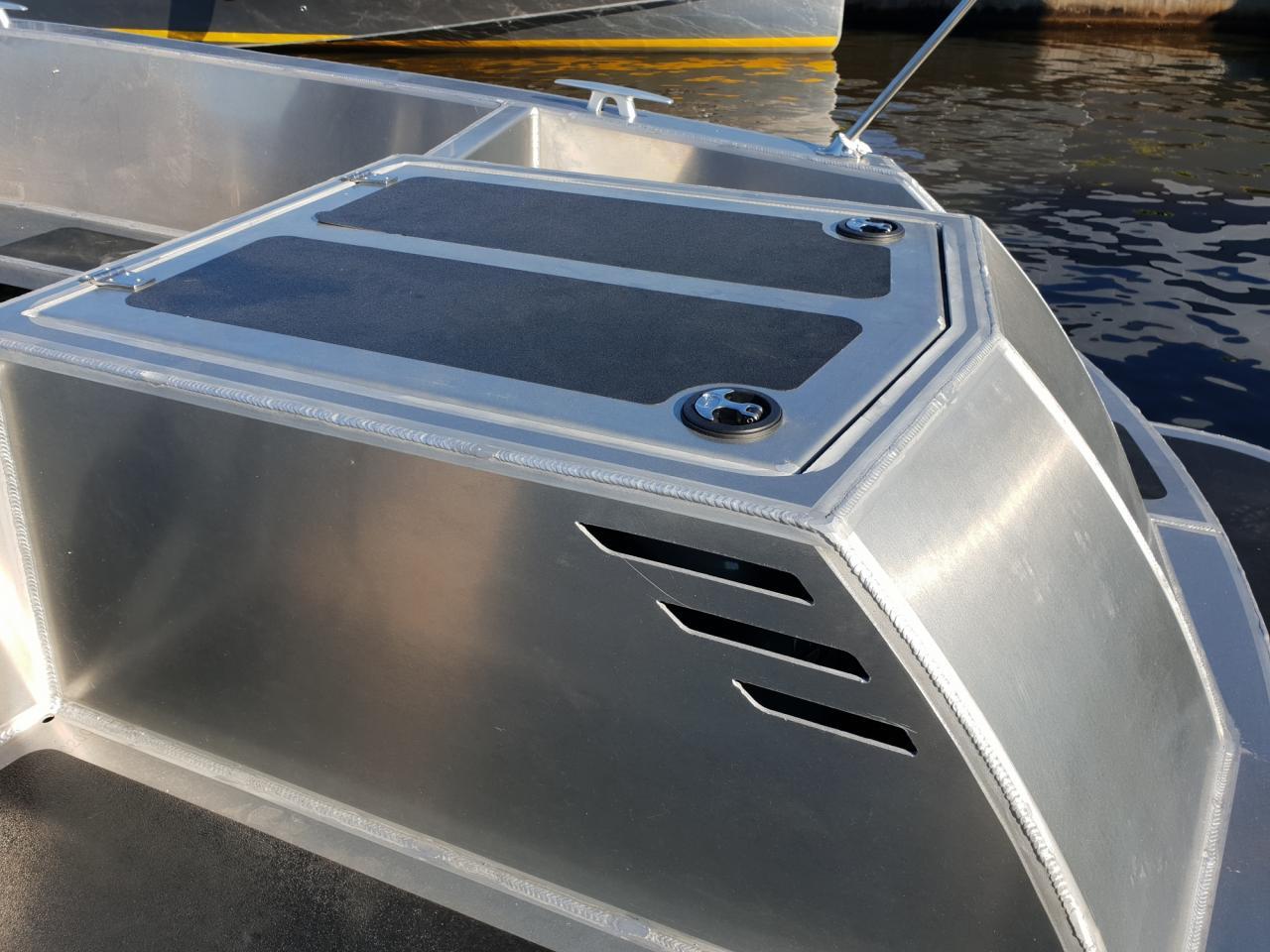 VanVossen Tender 670 aluminium 12