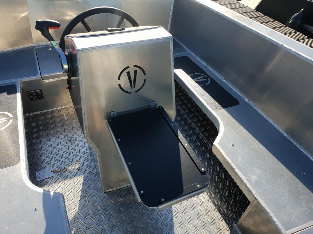 VanVossen Tender 670 aluminium 13