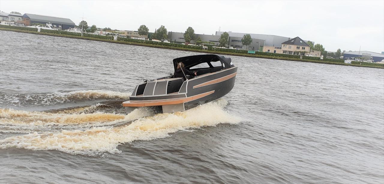 VanVossen Tender 670 aluminium 15