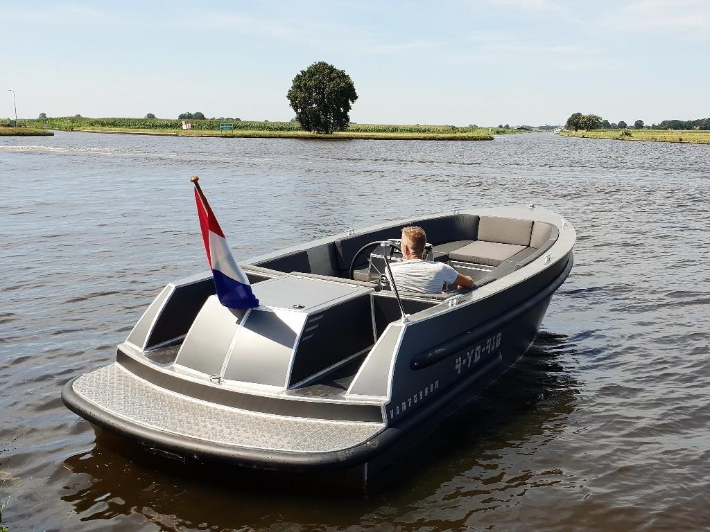 VanVossen Tender 700 aluminium 9
