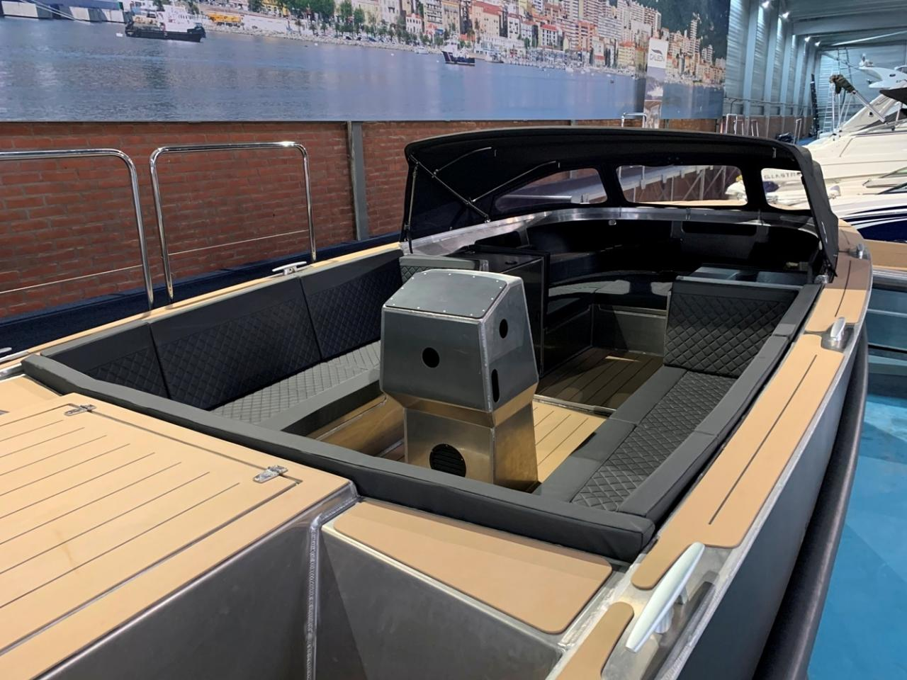 VanVossen Tender 888 sport met Honda 150 pk motor full options! 2