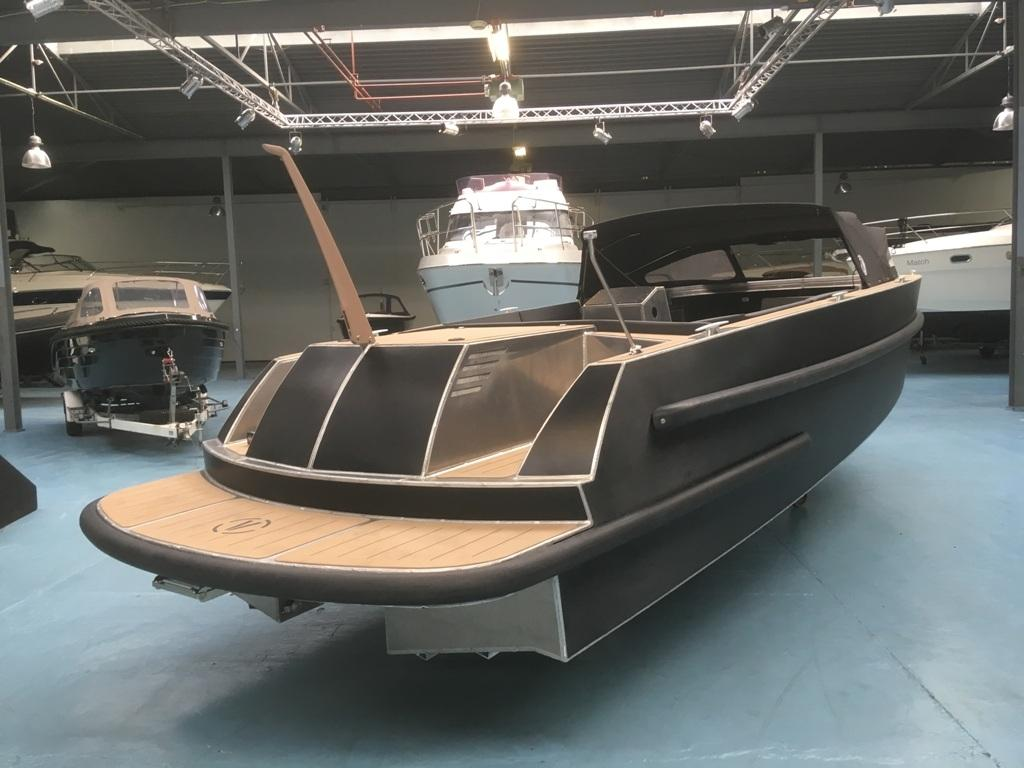 VanVossen Tender 888 sport met Honda 150 pk motor full options! 8