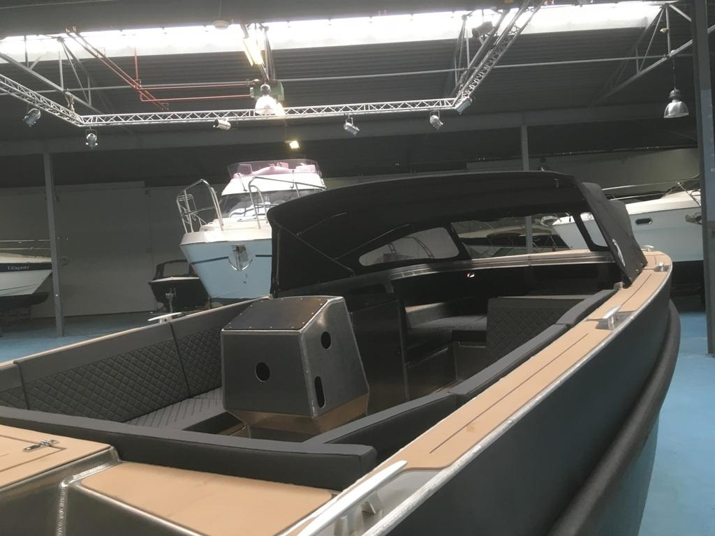 VanVossen Tender 888 sport met Honda 150 pk motor full options! 14