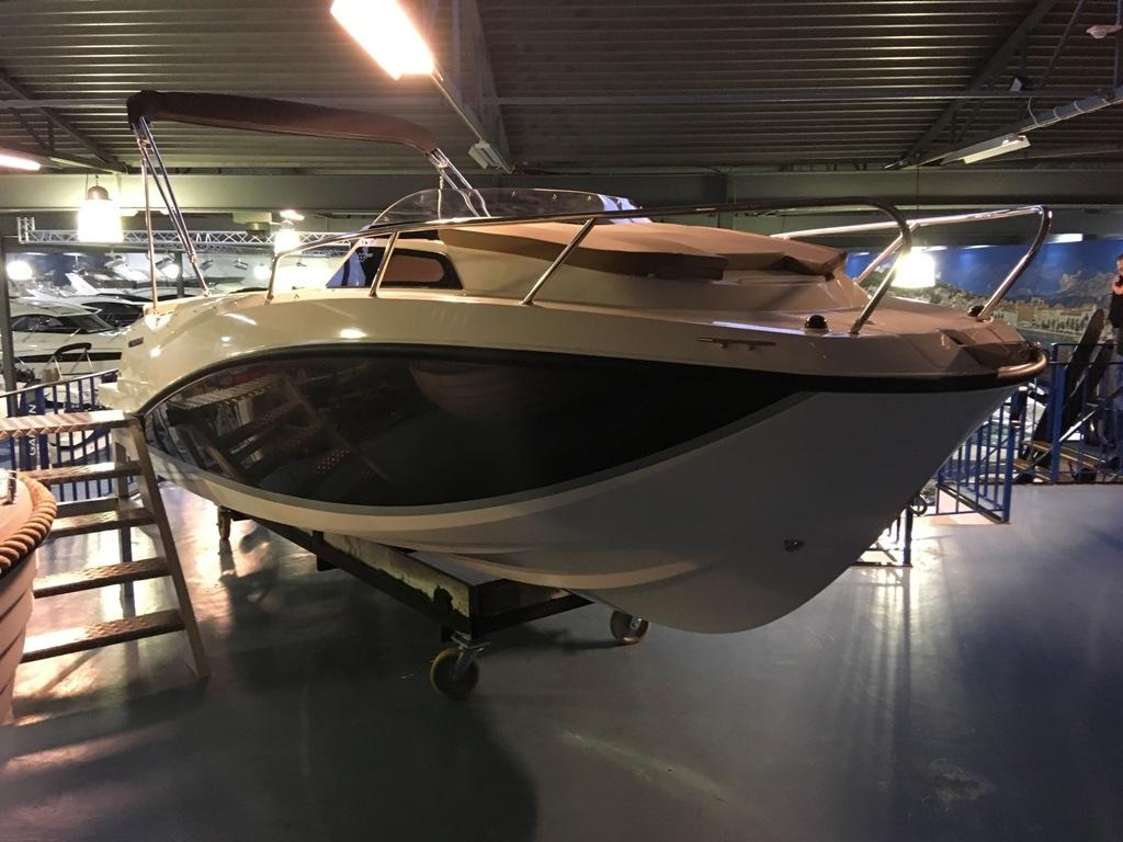 Quicksilver 555 activ cabin met Mercury 100 pk 2