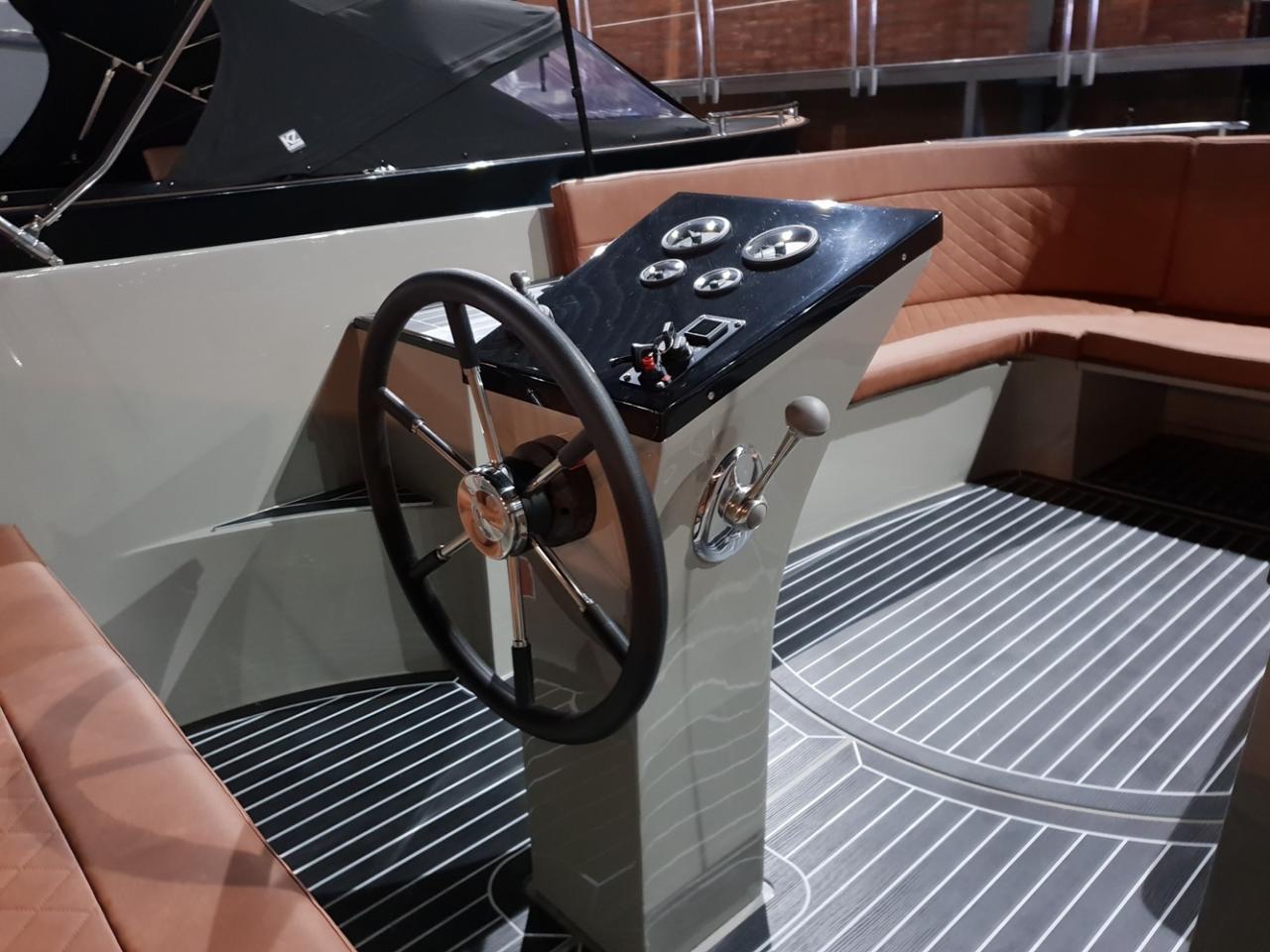 Maxima 730 tendersloep met Honda 100 pk  4