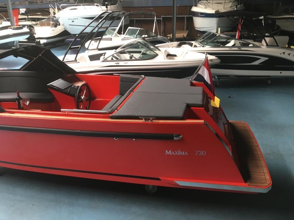 Maxima 730 tendersloep met Honda 80 PK en Garmin GPS 8
